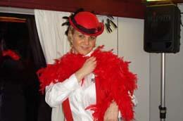 Bugsy's bar train v červeném hávu